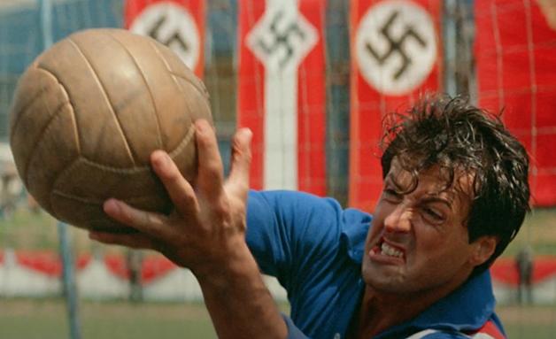 Stallone defendendo um chute
