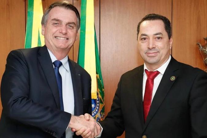 Covid: empresário responsável por almoço de sertanejos com Bolsonaro está intubado
