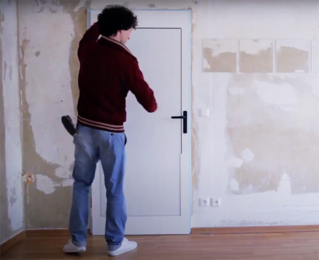 """A """"Ping Pong Door"""", incrível criação do designer alemão Tobias Fränzel"""