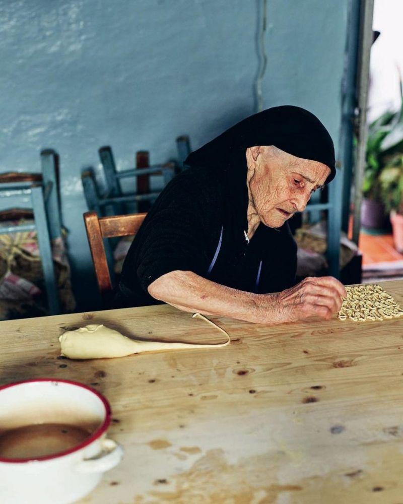 93 year old Cesaria © Pasta Grannies