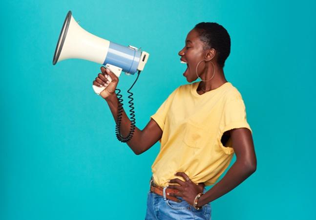 Representatividade negra na comunicação é tema de debate no 'Prosa'. Apenas isso basta?