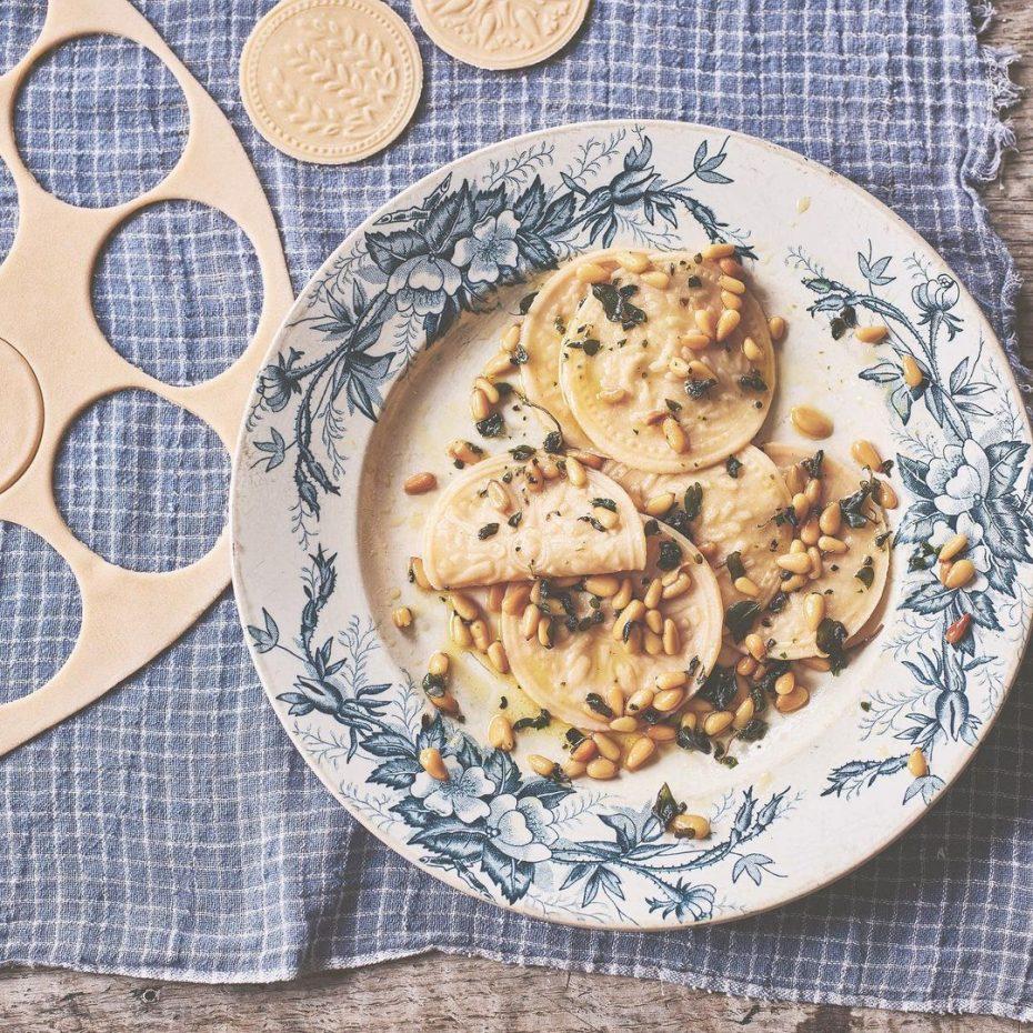 Corzetti feito à mão © Pasta Grannies