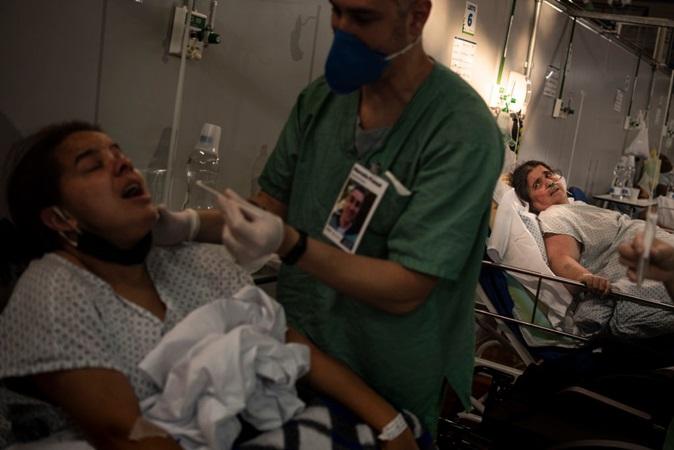 Covid: SP alerta para colapso por falta de 'kit intubação'