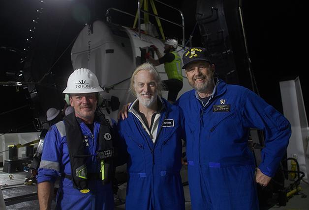 Equipe da expedição ao naufrágio do USS Johnston