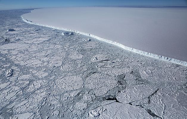 O iceberg A68