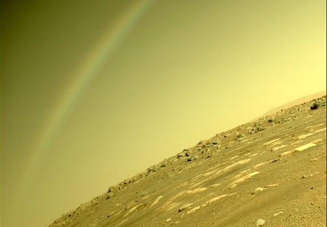 Nasa dá detalhes de suposto arco-íris fotografado em Marte