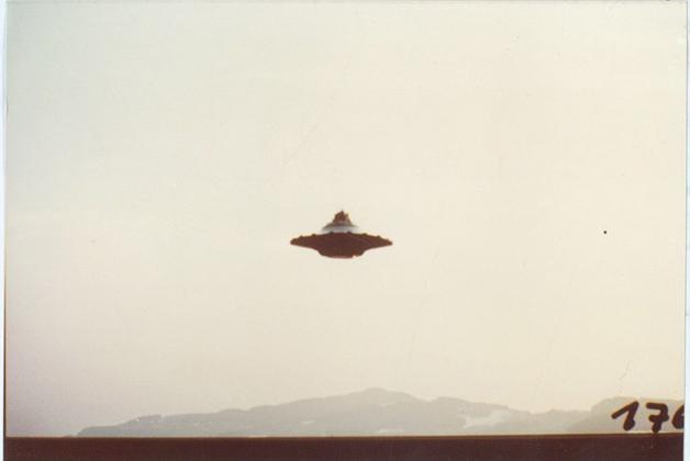Foto de um OVNI por Billy Meier