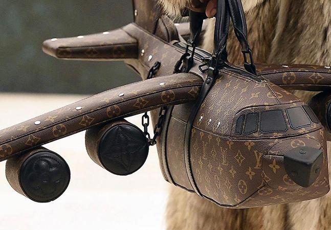 Louis Vuitton lança bolsa de avião mais cara que… um avião de verdade