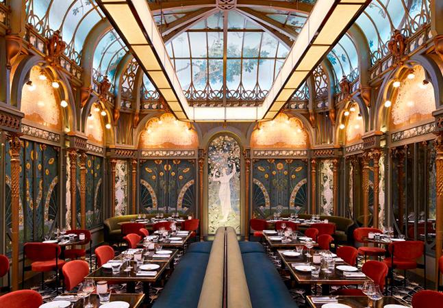 Restaurante francês promove viagem no tempo direto para a Belle Époque e o final do século 19
