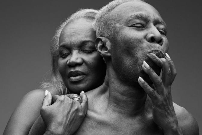 Reino Unido lança linda campanha para celebrar sexualidade entre idosos