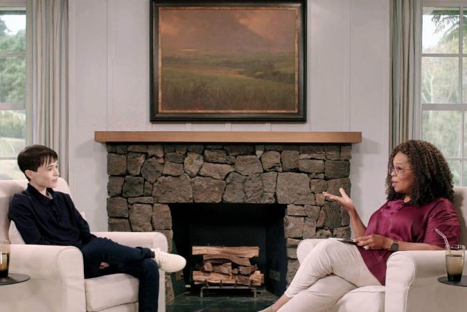 Elliot Page se emociona ao falar com Oprah sobre relação com corpo ao se assumir trans