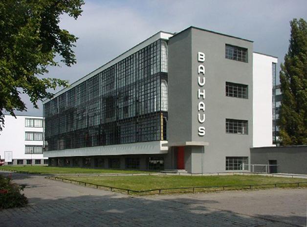Prédio da Bauhaus Dessau Foundation, inspirado no edifício original