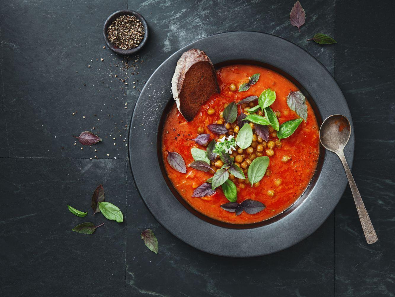 Sopa de Tomate com Ervas