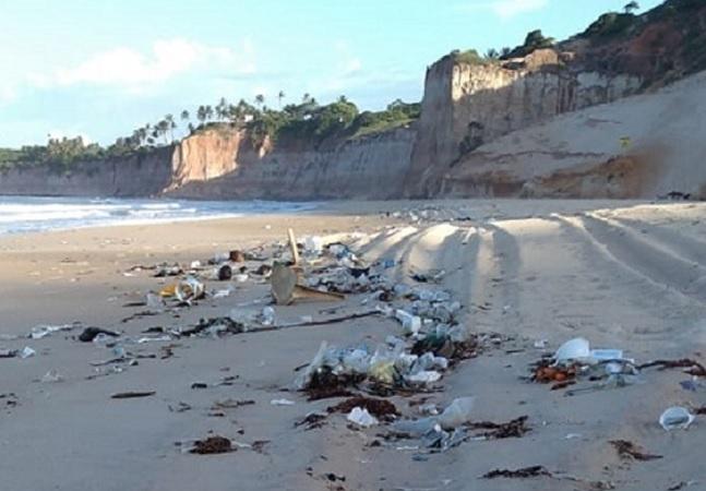RN vive crise ambiental grave com toneladas de lixo em praias