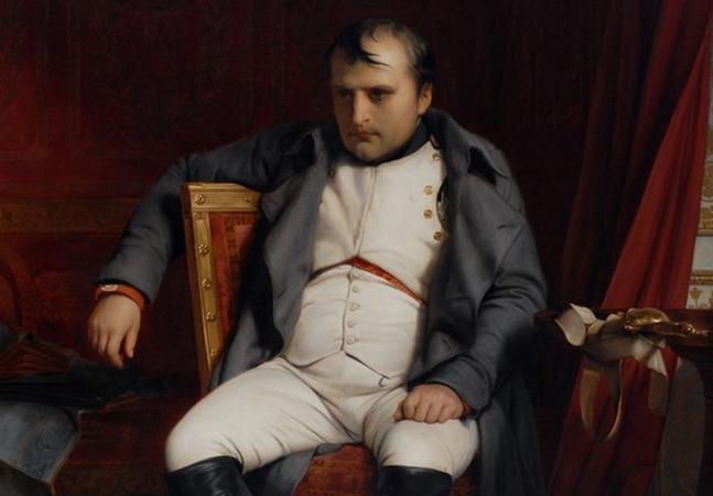 Estudo associa morte de Napoleão ao excesso de perfume; entenda