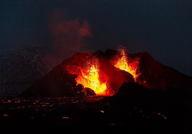Islândia oferece imagens espetaculares de 50 dias de erupção vulcânica