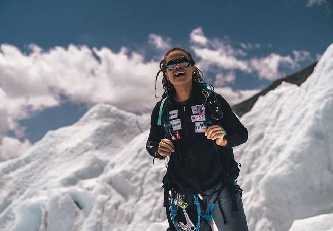 Aretha Duarte: a 1ª mulher negra latino-americana a chegar ao topo do Everest