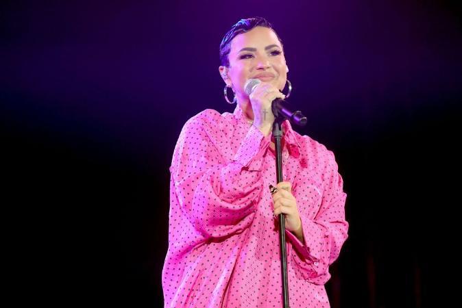 Demi Lovato se revela pessoa de gênero não-binário; jovem explicou descoberta