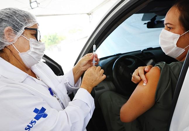 Covid: Brasil pode demorar mais de 600 dias para vacinar população
