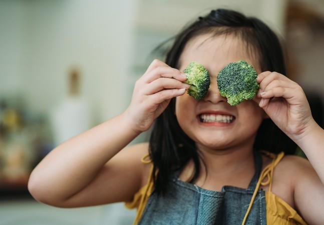 Estresse pode ser combatido com hábito de comer frutas e vegetais, aponta estudo