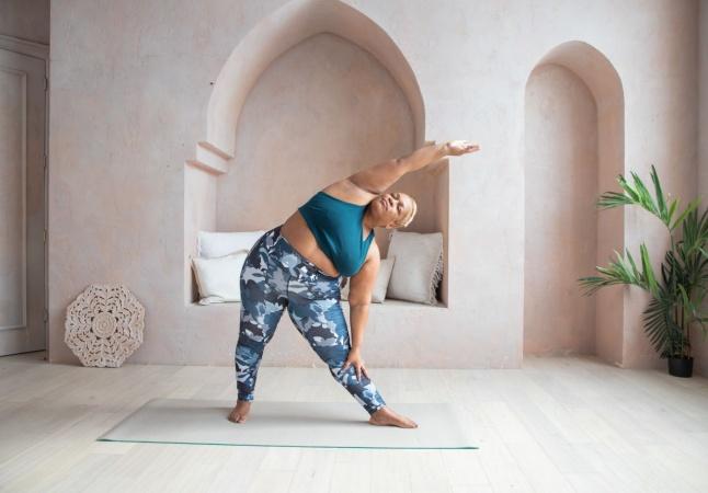 Yoga e política: como a prática milenar pode ser uma ferramenta de transformação social