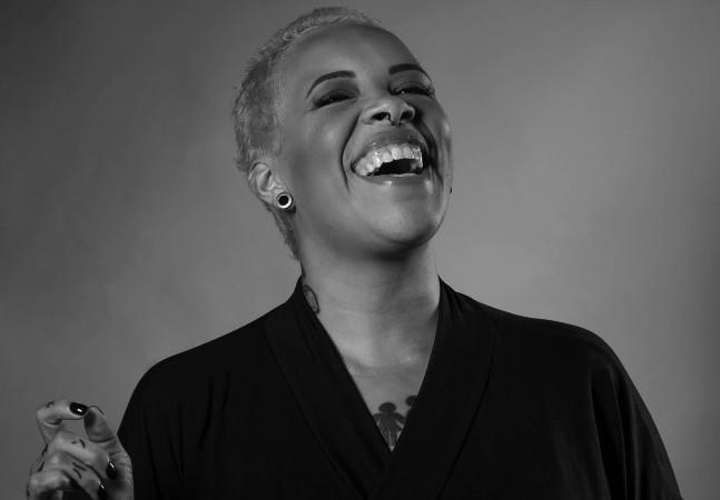 Faxina Boa: 'Fiz TEDx, 3 filhos, escrevi livro e esqueci de plantar a porra da árvore', diz Verônica Oliveira