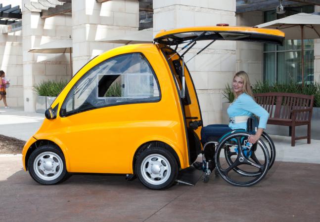 Primeiro carro elétrico para usuários de cadeiras de rodas que não demanda habilitação