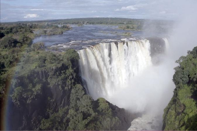 Uma das maiores cataratas do mundo secou e turismo sentiu baque