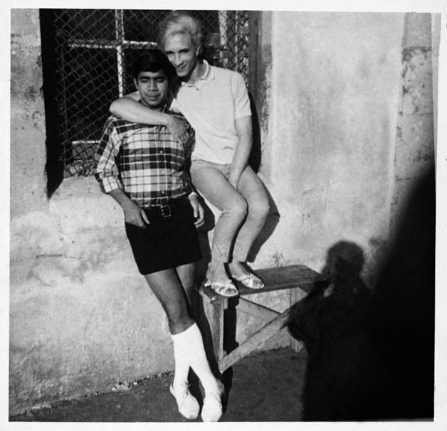 Kewpie com seu namorado Brian Armino