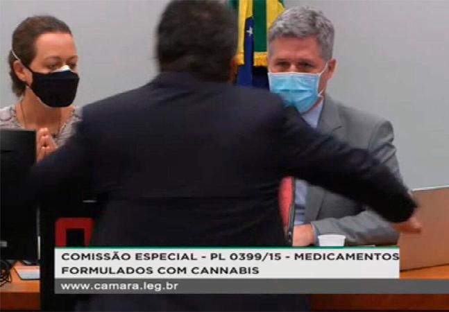 Deputado é agredido durante debate sobre maconha medicinal em comissão