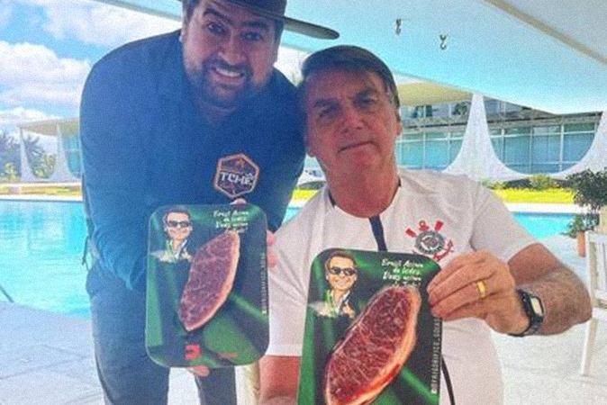 Bolsonaro dá churrasco no Alvorada com picanha de R$ 1.799