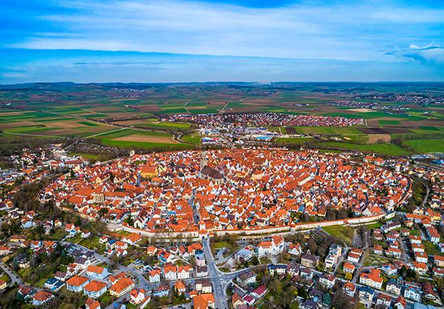 A cidade alemã que foi erguida em uma cratera sobre milhares de toneladas de diamante