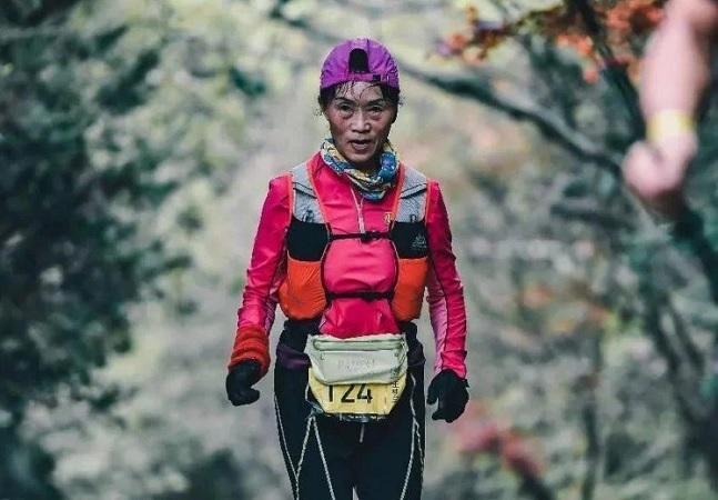 Aos 70, está aposentada completou mais de 100 maratonas nos últimos 20 anos