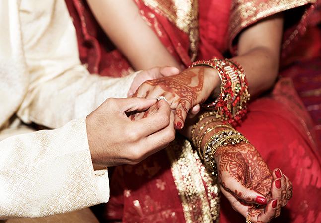 Noiva se casa com amigo após homem sumir no dia do casamento