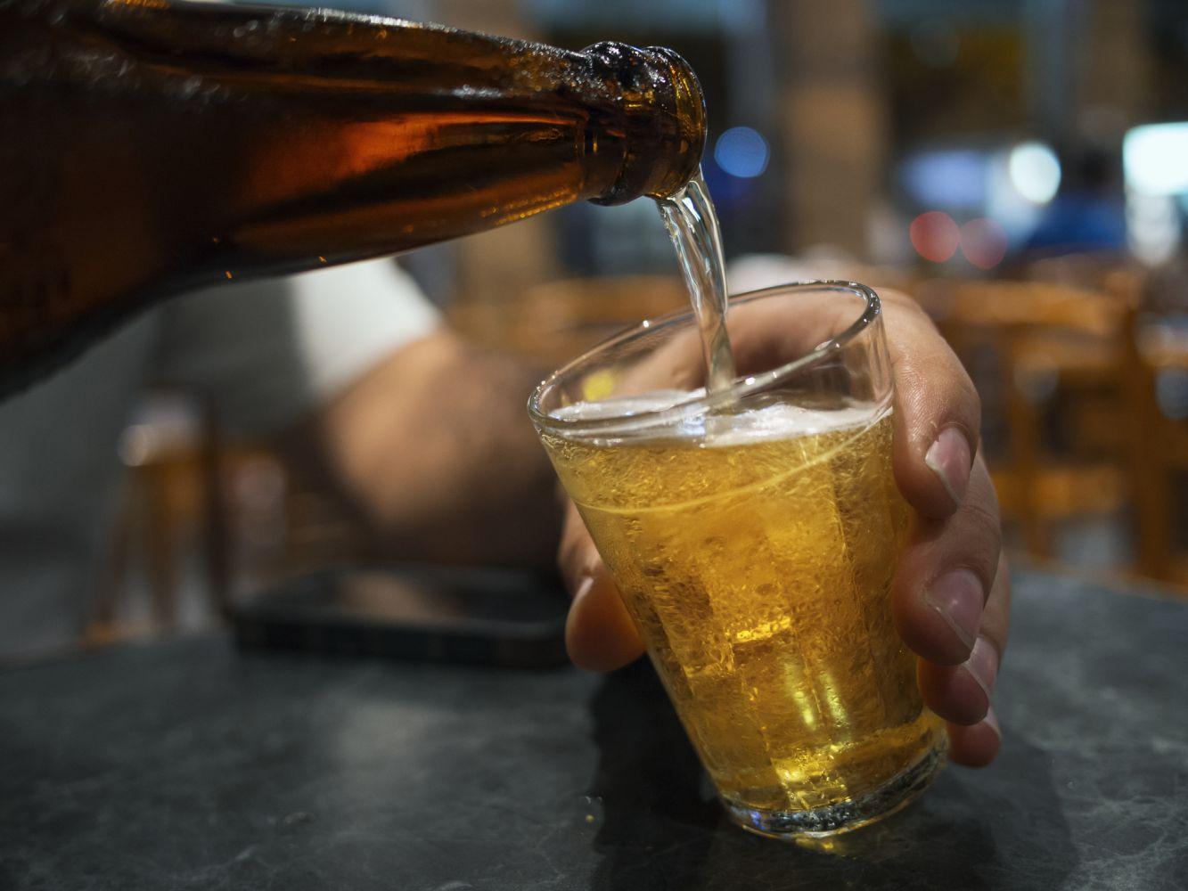 Vinhos, drinks e cervejas em destaque em lista de cursos gratuitos