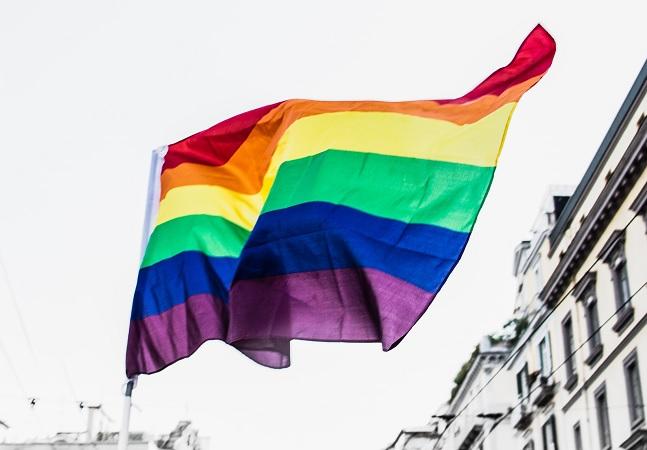 Homofobia é crime: saiba como identificar e denunciar