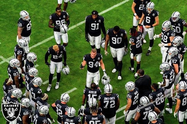 Carl Nassib se tornou o primeiro atleta em atividade da NFL a se assumir gay