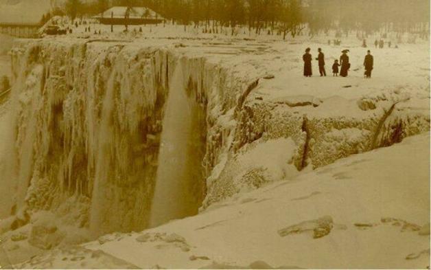 Cataratas do Niágara congeladas em 1911