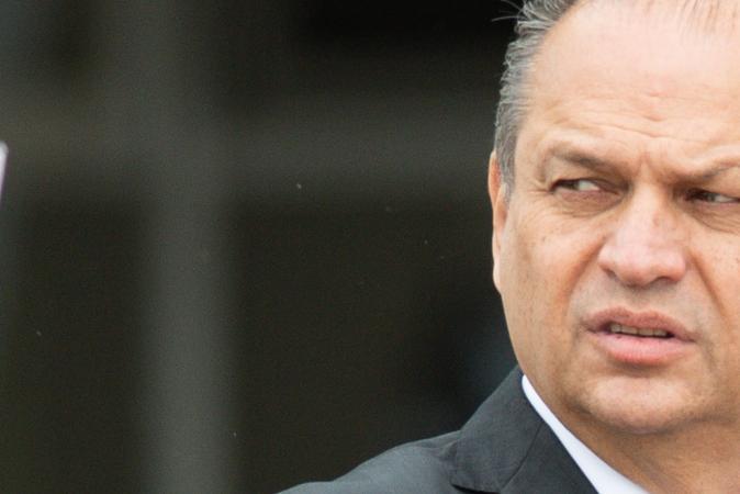 Ricardo Barros participou, no governo Temer, de compra de remédio sem eficácia contra o câncer
