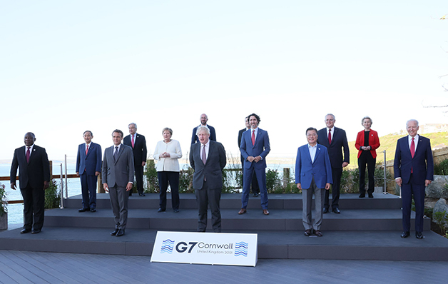 Os líderes do G7 reunidos em foto oficial da reunião
