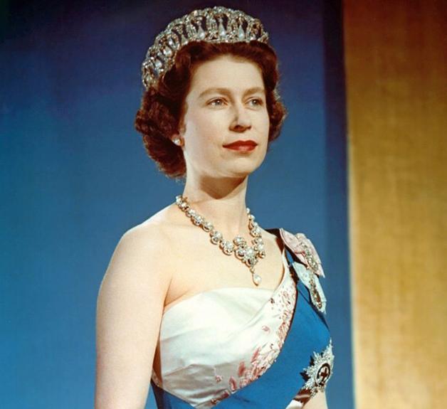 A jovem rainha no dia de sua coroação
