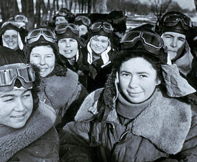 """""""Night Witches"""", grupo de pilotas russas que bombardeavam os nazistas em ataques noturnos, em 1941"""
