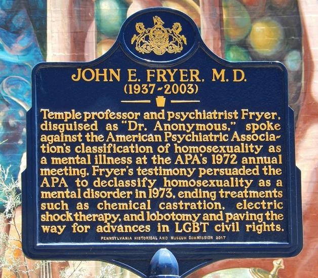 Placa em homenagem a Fryer erguida na Filadélfia