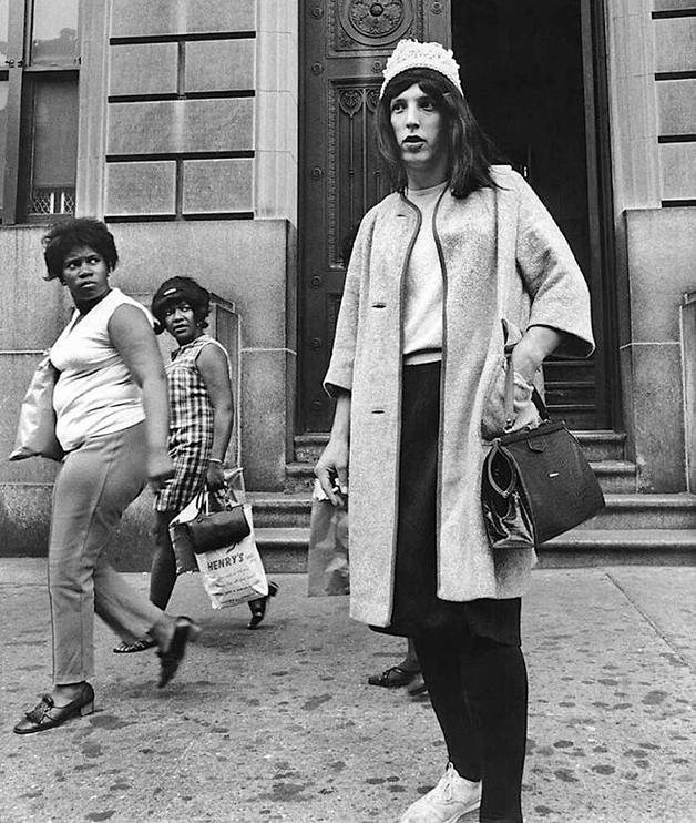 Policial disfarçado em um dia de trabalho em Nova York, em 1969