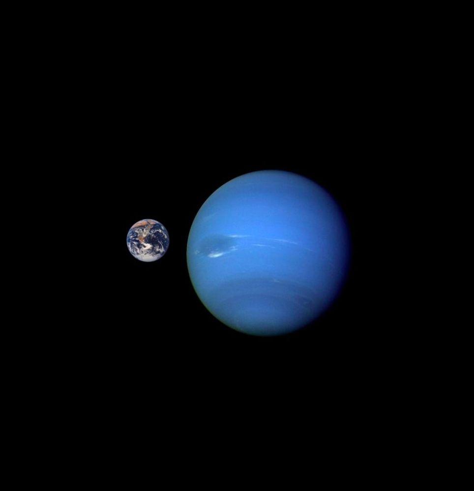 Terra ao lado de Netuno