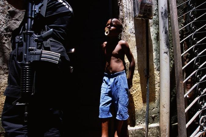 Pesquisa relaciona truculência policial e raça: 85% das pessoas abordadas são negras