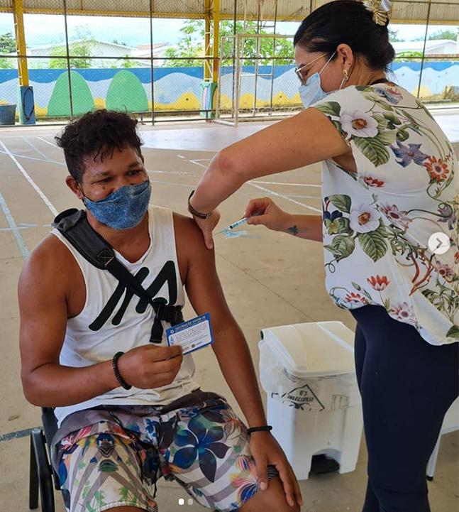 Fernando de Noronha vacina jovens de 18 anos e quer imunidade até fim de junho
