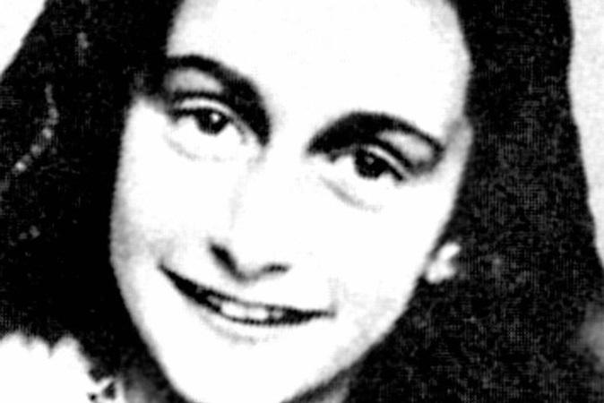 'Diário de Anne Frank' é alvo de boicote em escola por pais que enxergam erotização