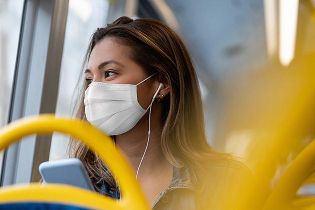 Mulher em ônibus