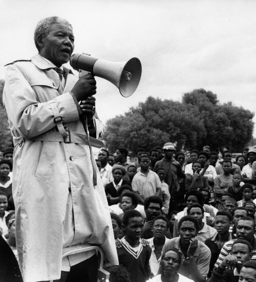 Nelson Mandela organizou greve política negra que virou 'Dia da Liberdade' na África do Sul